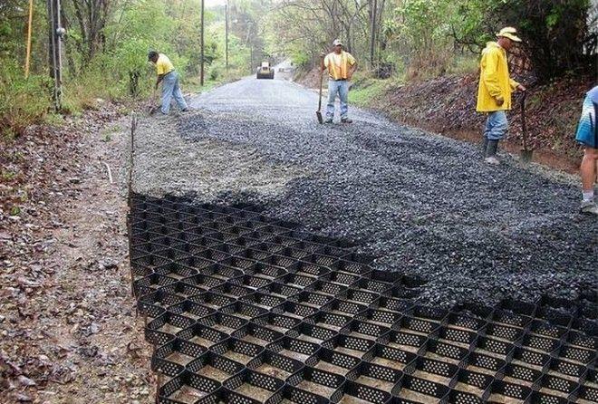 Как с помощьюгеоячеек строят ровные и прочные дороги на западе