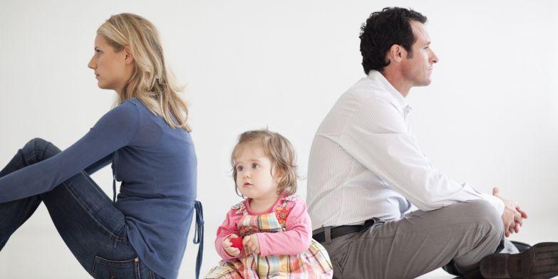 «Разводятся, потому что стали жениться по любви». Психолог Михаил Лабковский объясняет, почему дети растут без отцов