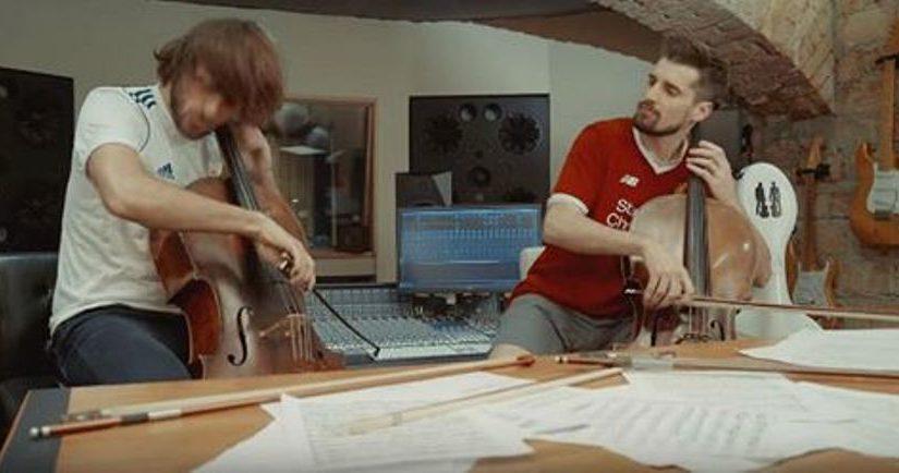 Двое парней начали играть на виолончелях. Их игра понравилась всему Интернету