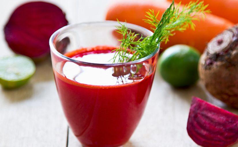 Исследования показали, что в соке из свеклы, моркови и яблока есть все, что нужно для идеальной кожи