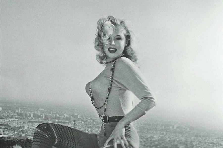 Красотка из 50-х, покорившая мир до Мэрлин Монро. В свои 82 года она всё так же прекрасна!