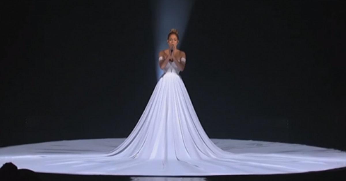 Сказочное выступление Дженнифер Лопес в «живом» платье. Фантастический номер