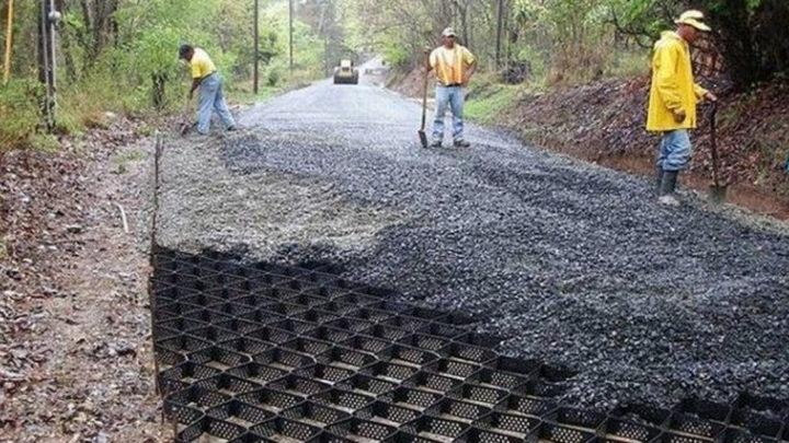 Как с помощью геоячеек строят ровные и прочные дороги на Западе