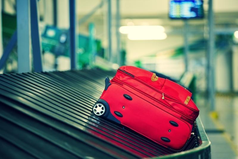 Как в аэропортах с легкостью вскрывают чемоданы и как защитить багаж