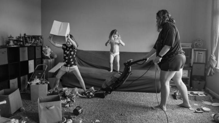 22 фотографии о том, каково это — быть мамой